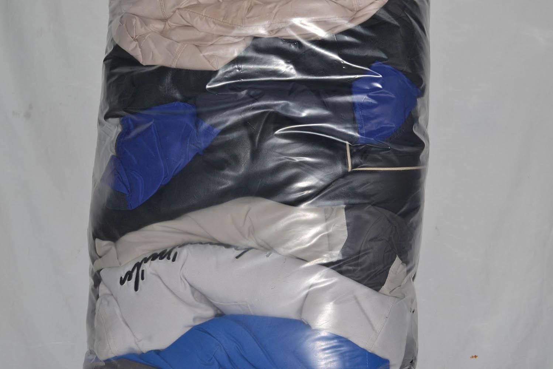 BUZ0900 Зимние куртки ; код мешка 12162032